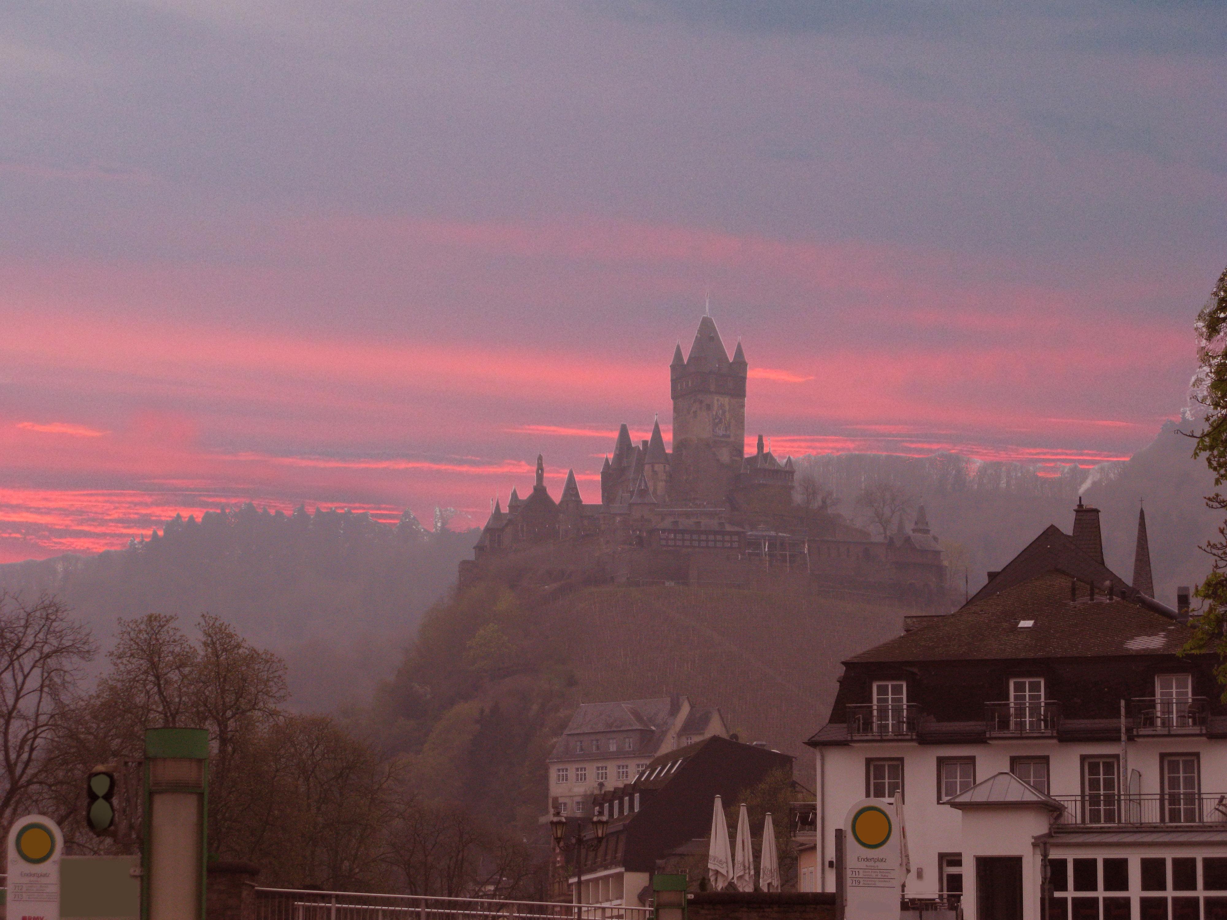 """Reichsburg über Cochem, Kulisse für Teil IV der Elektron-Saga """"Landnahme"""" - dort fest in schottischer Hand"""